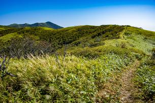 西別岳を望む、摩周岳の登山道の写真素材 [FYI04671664]