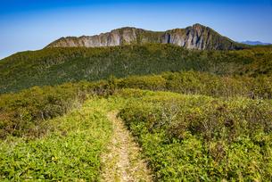 摩周岳へ続く登山道の写真素材 [FYI04671671]