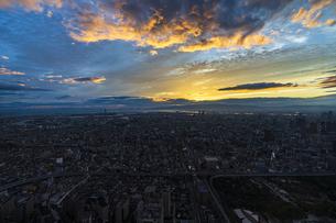 あべのハルカス 展望台からの夕暮れの写真素材 [FYI04672164]