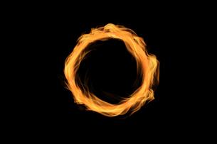 炎の輪の写真素材 [FYI04673089]