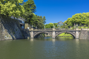 皇居二重橋の写真素材 [FYI04673781]