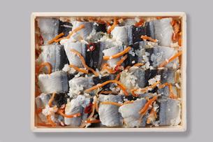 秋刀魚の飯寿司の写真素材 [FYI04674111]