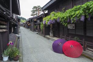 和傘と上三之町の写真素材 [FYI04674404]