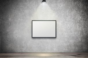 白いコンクリート壁のスポットライトの背景グラフィックス素材の写真素材 [FYI04675004]