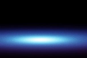 黒壁の青いスポットライトの背景グラフィックス素材の写真素材 [FYI04675393]