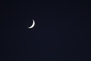 月3の写真素材 [FYI04675450]