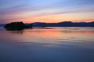 琵琶湖湖北夕日の写真素材 [FYI04675806]