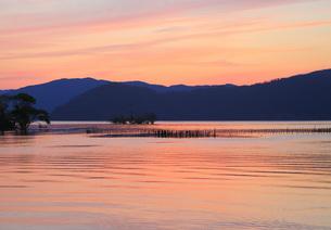 琵琶湖湖北夕日の写真素材 [FYI04675808]
