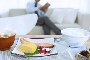 食卓の上の朝食の写真素材 [FYI04676258]