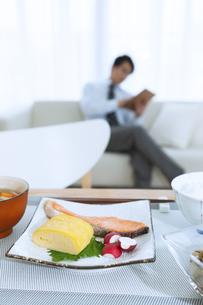 食卓の上の朝食の写真素材 [FYI04676260]