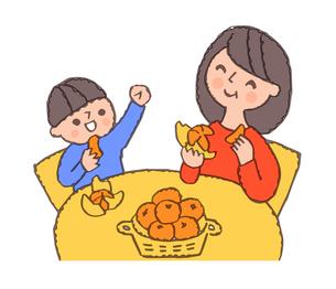 みかんを食べる母と男の子のイラスト素材 [FYI04676772]