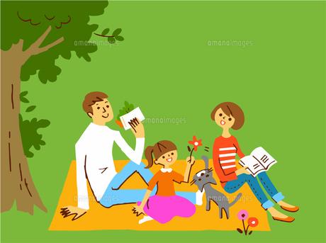 ピクニックシートの上でランチを食べる家族のイラスト素材 [FYI04676799]