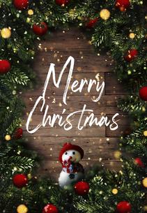 クリスマスの雪だるまのかわいいオーナメントの背景デザインの写真素材 [FYI04677358]