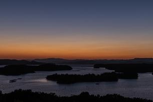 登茂山からの英虞湾夕照の写真素材 [FYI04677725]