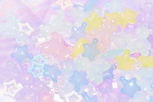 星の形とクマの形をしたプラスチックのビーズの写真素材 [FYI04678053]