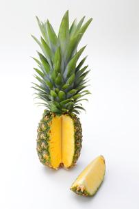 パイナップルの写真素材 [FYI04678359]