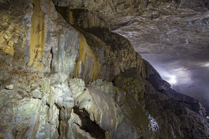 日本最大規模の鍾乳洞 秋芳洞の写真素材 [FYI04678420]