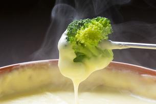 チーズフォンデュの写真素材 [FYI04679627]