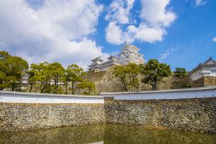 青空と姫路城の写真素材 [FYI04679714]