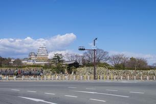 姫路城前の交差点の写真素材 [FYI04679726]