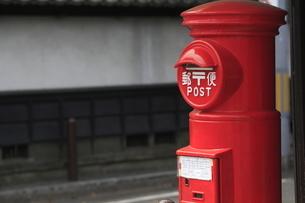 郵便ポストの写真素材 [FYI04680024]