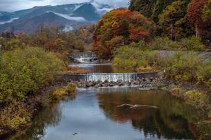 山里風景・秋の写真素材 [FYI04680242]
