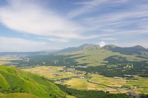 初秋の阿蘇五岳の写真素材 [FYI04680393]