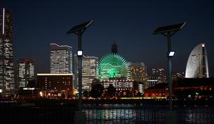 横浜みなとみらいの夜景の写真素材 [FYI04680457]