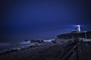 犬吠埼燈台の夜の写真素材 [FYI04680537]