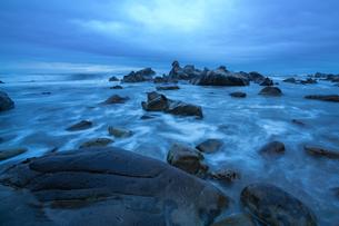 犬吠埼海岸の波の写真素材 [FYI04680539]