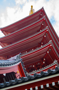 浅草神社の五重塔の写真素材 [FYI04680639]