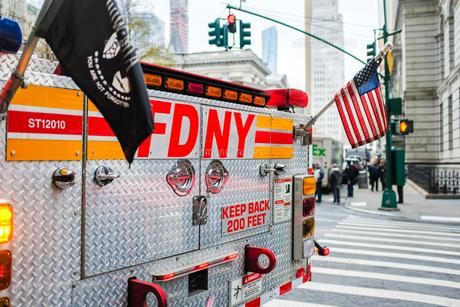 消防車 ニューヨーク FDNY マンハッタンの写真素材 [FYI04681274]