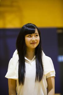 笑顔の女の子の写真素材 [FYI04681482]