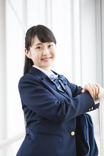 微笑む女子高生の写真素材 [FYI04681596]