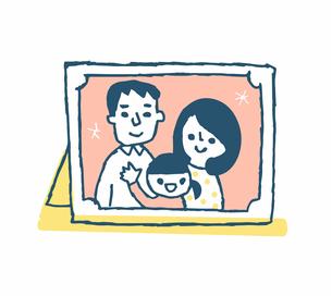 家族写真 3人家族のイラスト素材 [FYI04682498]