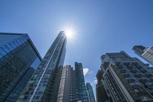 ニューヨーク市 クイーンズ ロングアイランドシティー クイーンズボロープラザの新興高層ビル群。の写真素材 [FYI04682622]
