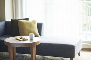 ソファとテーブルの写真素材 [FYI04683847]