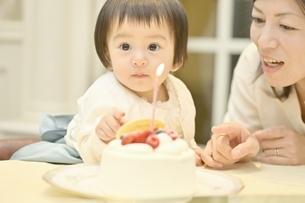一歳の誕生日の写真素材 [FYI04684954]