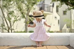 小さな女の子の写真素材 [FYI04684960]