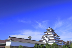 会津若松城の天守と南走長屋の写真素材 [FYI04685682]