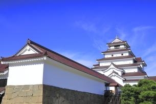 会津若松城の天守と南走長屋の写真素材 [FYI04685684]