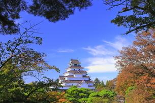 秋の会津若松城・天守の写真素材 [FYI04685685]
