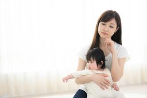 母親と赤ちゃんの写真素材 [FYI04686910]