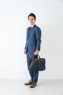 日本人ビジネスマンの写真素材 [FYI04686999]
