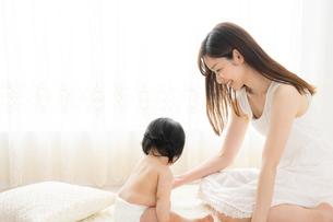 母親と赤ちゃんの写真素材 [FYI04687247]