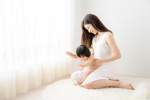 母親と赤ちゃんの写真素材 [FYI04687265]
