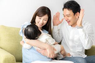 日本人家族の写真素材 [FYI04687358]