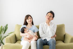 日本人家族の写真素材 [FYI04687375]
