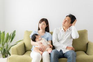 日本人家族の写真素材 [FYI04687387]
