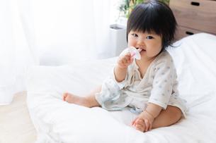赤ちゃんの写真素材 [FYI04687437]